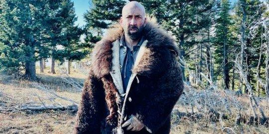 Лысый Николас Кейдж поохотится на бизонов